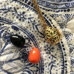 Vintage Joan Rivers interchangeable egg necklace